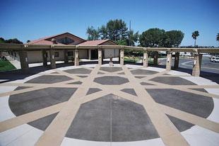 Plaza-2-web